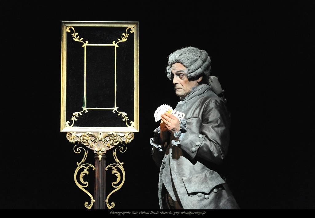 Le Miroir de Cagliostro-face  au miroir 1 -®Guy Vivien